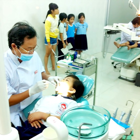 Mang niềm vui đến trẻ em nghèo ảnh 1
