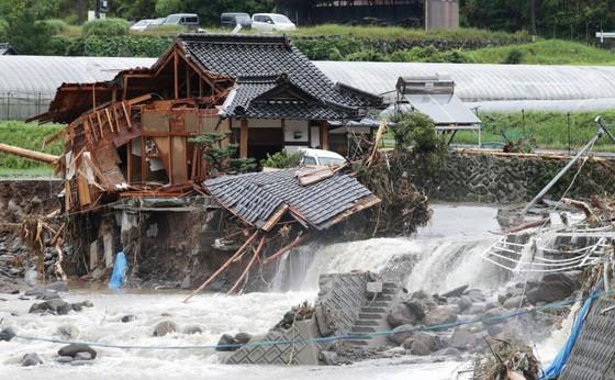 Hơn 100 người chết và mất tích trong đợt mưa lớn kỷ lục tại Nhật ảnh 10