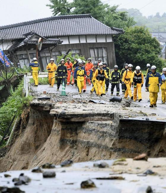 Hơn 100 người chết và mất tích trong đợt mưa lớn kỷ lục tại Nhật ảnh 3