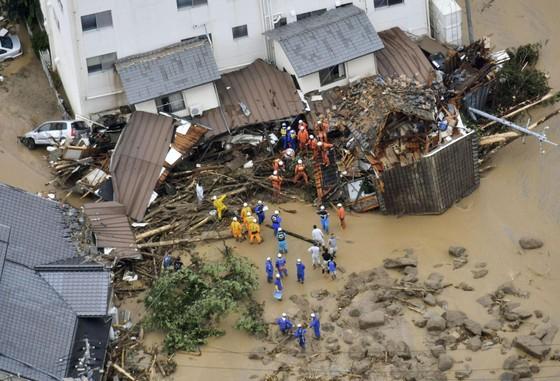 Hơn 100 người chết và mất tích trong đợt mưa lớn kỷ lục tại Nhật ảnh 16