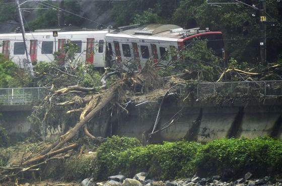 Hơn 100 người chết và mất tích trong đợt mưa lớn kỷ lục tại Nhật ảnh 7