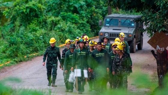 Hoạt động cứu hộ các thành viên đội bóng Thái Lan được tiếp tục ảnh 1