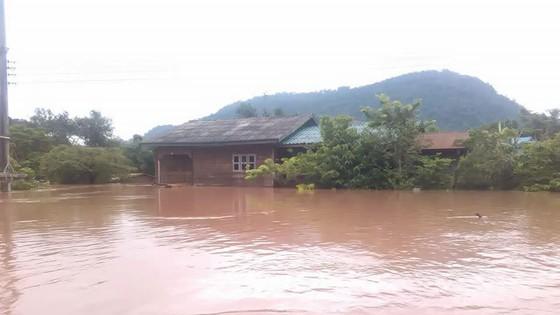 Người dân khu vực hạ lưu được thông báo sơ tán trước khi xảy ra sự cố vỡ đập thủy điện Sepien Senamnoi? ảnh 16