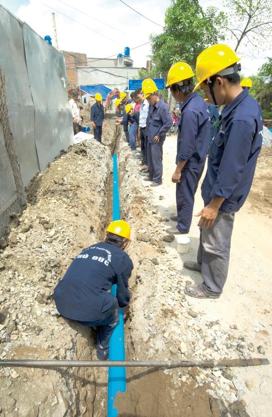 Đột phá giải pháp đưa nước sạch đến dân  ảnh 1