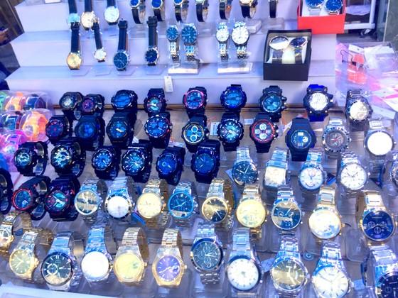 Đồng hồ nhái thương hiệu bán tràn lan ảnh 1