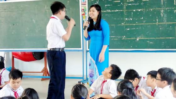Nan giải tuyển dụng giáo viên  ảnh 1