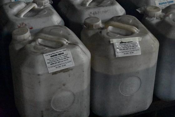 Vụ cơm tấm Kiều Giang sử dụng nguyên liệu lạ: Công ty Kiều Giang xuất trình hóa đơn của 1.029 kg phụ gia bị niêm phong ảnh 1
