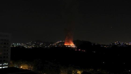 Bảo tàng quốc gia 200 năm tuổi của Brazil bị thiêu rụi ảnh 2