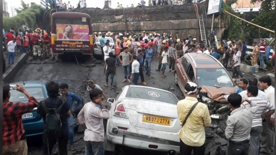 Sập cầu tại Ấn Độ, 1 người thiệt mạng, 19 người bị thương ảnh 2