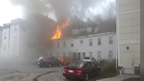 Hàng chục vụ nổ khí gas ở ngoại ô TP Boston, 1 người thiệt mạng, 12 người bị thương ảnh 10