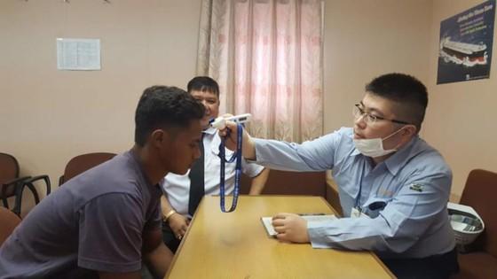 Thiếu niên Indonesia được giải cứu sau 49 ngày trôi dạt trên biển ảnh 3