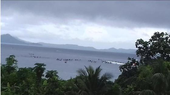 Máy bay chở 47 người trượt khỏi đường băng, lao xuống biển ảnh 6