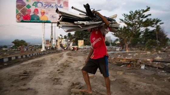 Số người chết vì động đất, sóng thần Indonesia tăng lên hơn 1.200 người ảnh 25