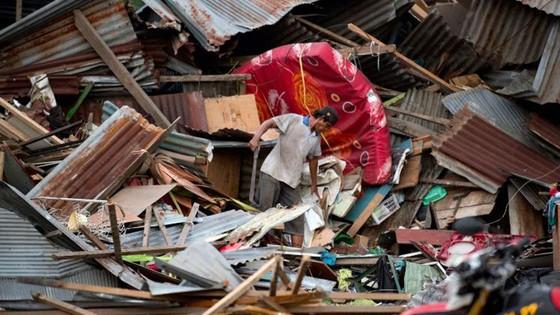 Số người chết vì động đất, sóng thần Indonesia tăng lên hơn 1.200 người ảnh 24