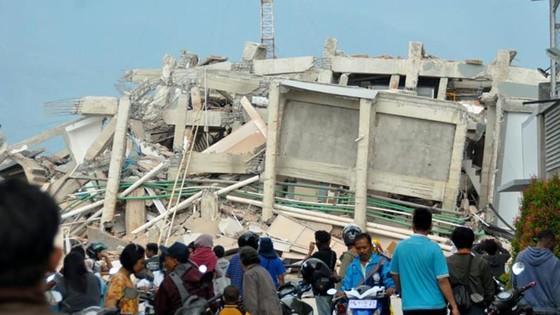 Số người chết vì động đất, sóng thần Indonesia tăng lên hơn 1.200 người ảnh 14