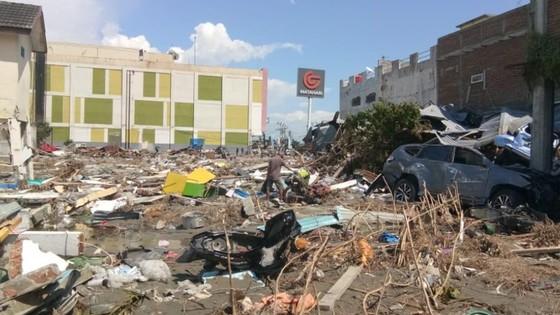 Số người chết vì động đất, sóng thần Indonesia tăng lên hơn 1.200 người ảnh 28