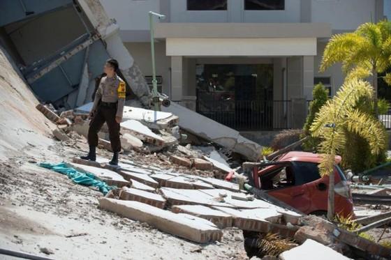 Số người chết vì động đất, sóng thần Indonesia tăng lên hơn 1.200 người ảnh 5
