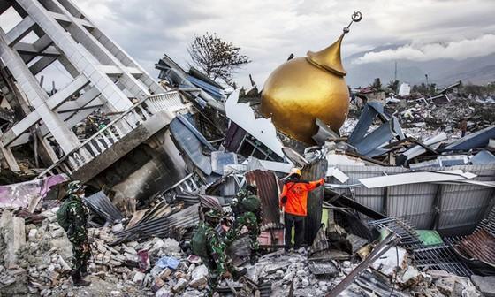 Số người thiệt mạng trong thảm họa kép tại Indonesia đã lên đến 1.944 người ảnh 1