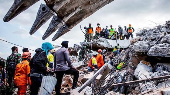 Số người thiệt mạng trong thảm họa kép tại Indonesia đã lên đến 1.944 người ảnh 2