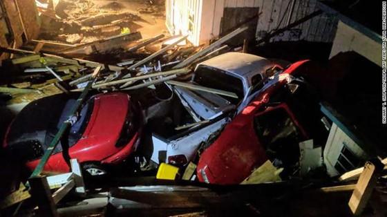Siêu bão Michael tấn công Florida: 17 người chết, một căn cứ quân sự bị san bằng, cả thị trấn bị xóa sổ ảnh 21