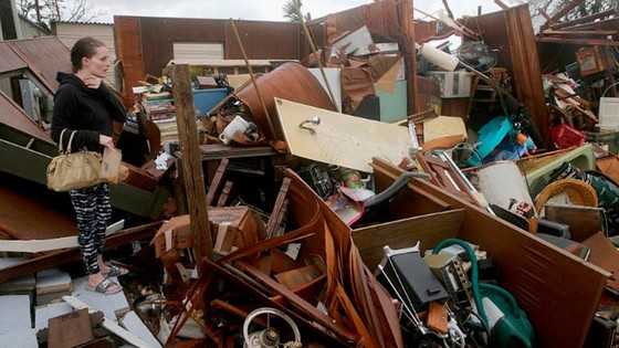 Siêu bão Michael tấn công Florida: 17 người chết, một căn cứ quân sự bị san bằng, cả thị trấn bị xóa sổ ảnh 22