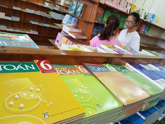 Bảo đảm cạnh tranh bình đẳng giữa các bộ sách giáo khoa ảnh 1
