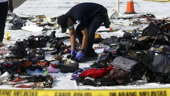 Vụ máy bay Lion Air rơi tại Indonesia: Phát hiện thân và động cơ máy bay, một thợ lặn thiệt mạng ảnh 2