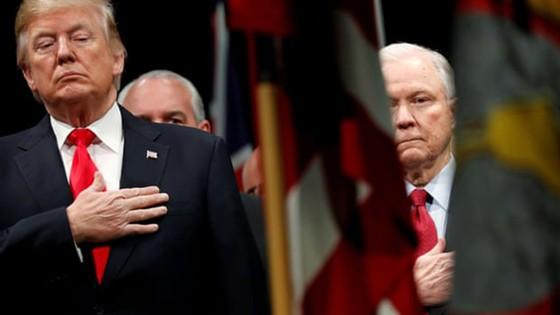 Tổng thống Mỹ cách chức Bộ trưởng Tư pháp Jeff Sessions ảnh 1