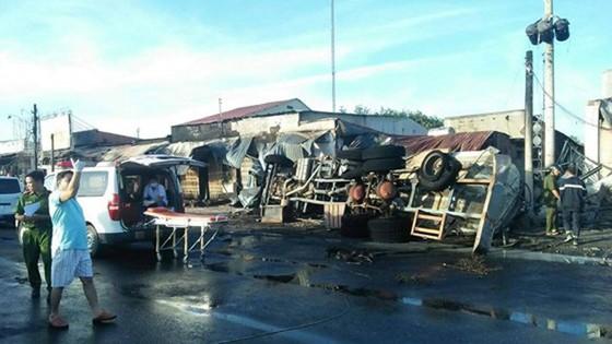 Vụ cháy xe bồn chở xăng dầu ở Bình Phước: Nguyên nhân bước đầu là do tai nạn giao thông ảnh 2