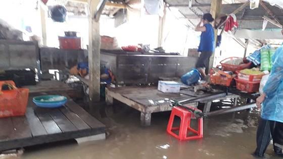 Miền Trung khẩn trương khắc phục hậu quả mưa lũ ảnh 4