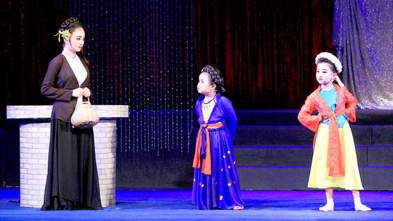 100 năm sân khấu cải lương - tằm mãi vương tơ: Xây nền móng từ nền móng ảnh 1