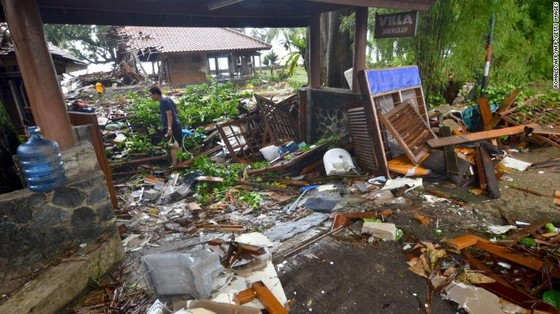 Ít nhất 281 người thiệt mạng và hơn 1.000 người bị thương trong vụ sóng thần tại Indonesia ảnh 1
