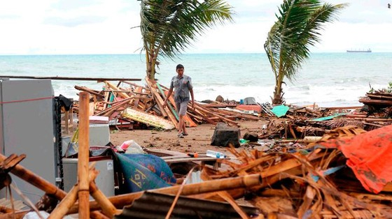 Ít nhất 281 người thiệt mạng và hơn 1.000 người bị thương trong vụ sóng thần tại Indonesia ảnh 6