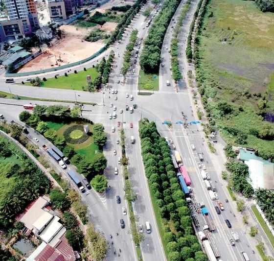 Nhiều biện pháp đảm bảo an toàn giao thông dịp tết ảnh 1