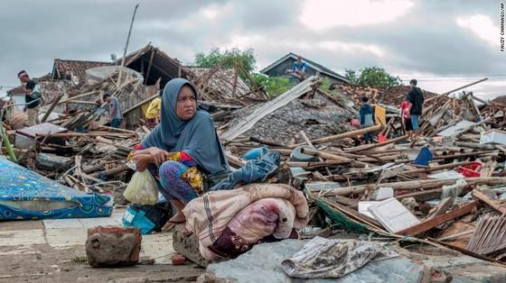 429 người thiệt mạng, 1.485 người bị thương và ít nhất 154 người mất tích trong trận sóng thần tại Indonesia ảnh 5