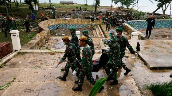 429 người thiệt mạng, 1.485 người bị thương và ít nhất 154 người mất tích trong trận sóng thần tại Indonesia ảnh 6
