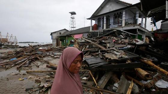 429 người thiệt mạng, 1.485 người bị thương và ít nhất 154 người mất tích trong trận sóng thần tại Indonesia ảnh 10