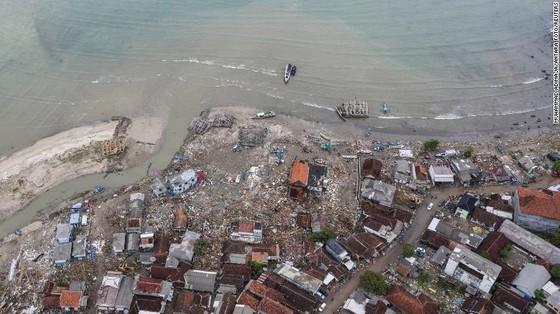 429 người thiệt mạng, 1.485 người bị thương và ít nhất 154 người mất tích trong trận sóng thần tại Indonesia ảnh 11