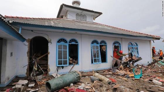 429 người thiệt mạng, 1.485 người bị thương và ít nhất 154 người mất tích trong trận sóng thần tại Indonesia ảnh 12