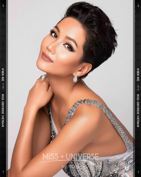 4 người đẹp Việt Nam góp mặt trong danh sách Timeless Beauty - Vẻ đẹp vượt thời gian 2018 ảnh 5