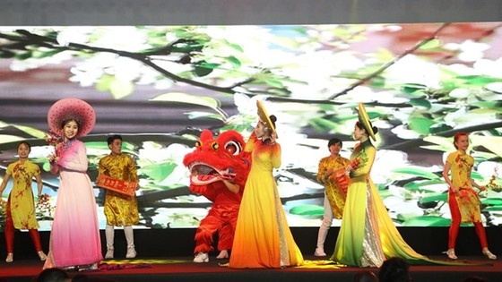 Gần 2.000 người tham dự Lễ công bố dự án Sunshine City Sài Gòn ảnh 3