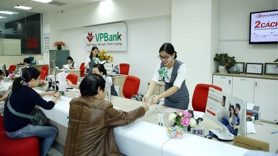 Lợi nhuận VPBank đạt hơn 9.200 tỷ đồng, tỷ suất sinh lời ROE và ROA đạt 22,9% và 2,5% ảnh 1