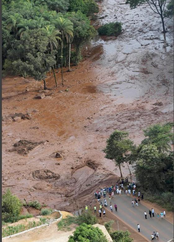 Ít nhất 9 người thiệt mạng và hàng trăm người mất tích trong vụ vỡ đập tại Brazil ảnh 9