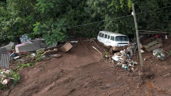 Ít nhất 9 người thiệt mạng và hàng trăm người mất tích trong vụ vỡ đập tại Brazil ảnh 11