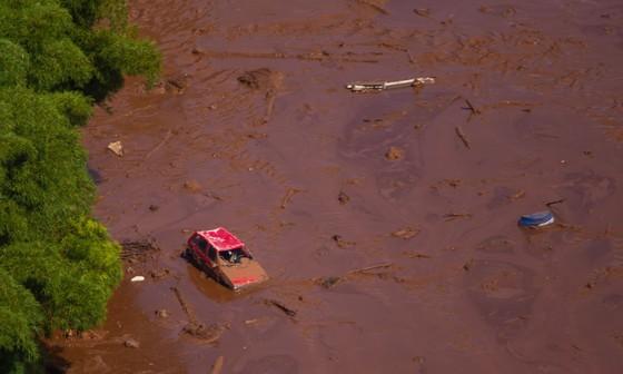 Ít nhất 9 người thiệt mạng và hàng trăm người mất tích trong vụ vỡ đập tại Brazil ảnh 2