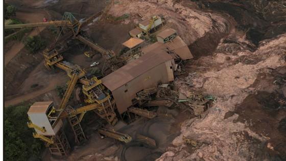 Ít nhất 9 người thiệt mạng và hàng trăm người mất tích trong vụ vỡ đập tại Brazil ảnh 18