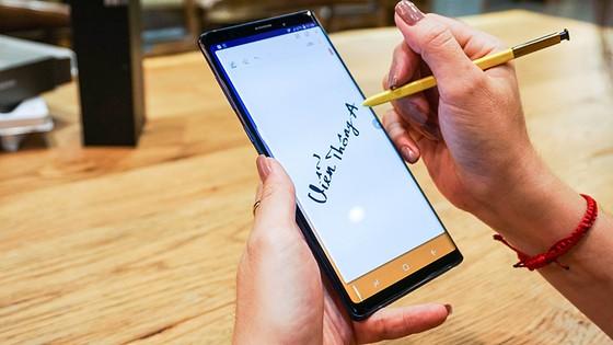 Top 6 smartphone sẽ khuynh đảo thị trường Tết Kỷ Hợi 2019 ảnh 1