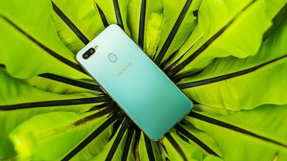 Top 6 smartphone sẽ khuynh đảo thị trường Tết Kỷ Hợi 2019 ảnh 2