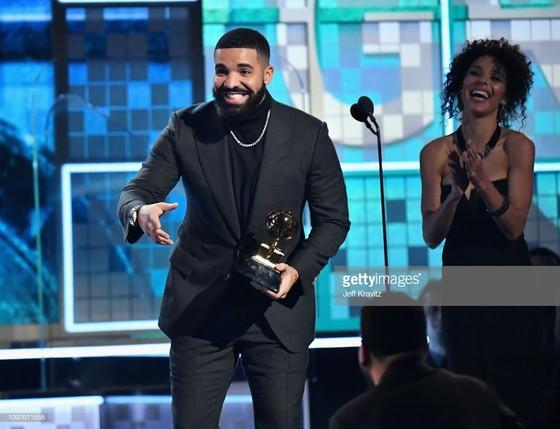 """""""Golden Hour"""" của Kacey Musgraves thắng giải Album nhạc đồng quê và Album của năm tại Grammy 2019 ảnh 5"""