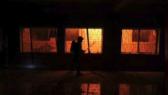 Ít nhất 81 người thiệt mạng trong vụ cháy chung cư tại Bangladesh ảnh 6